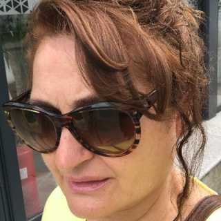 Adriana1503 avatar