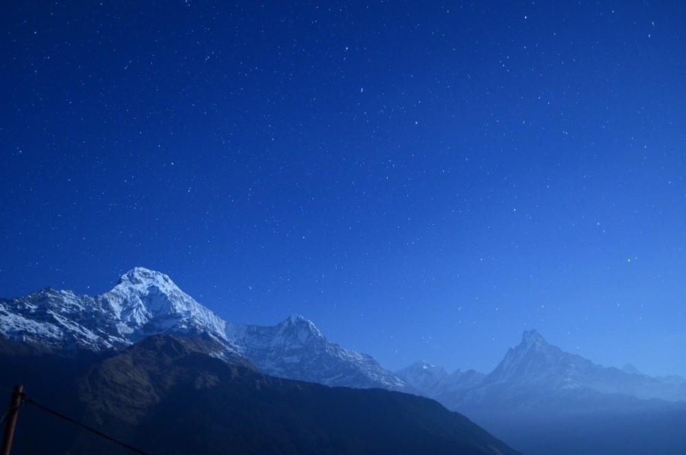 Звездная ночь в горах Гималаев. Непал, Южная Аннапурна.