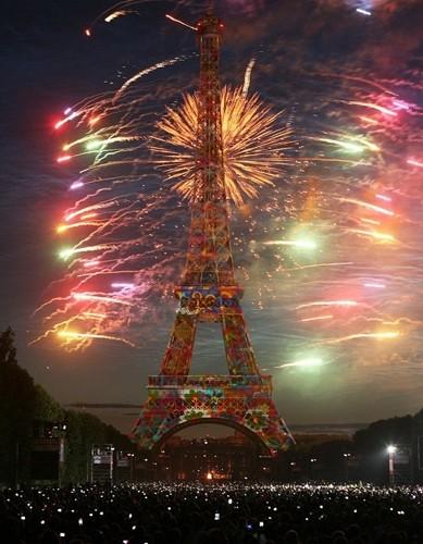 Французы знают толк в праздниках ))