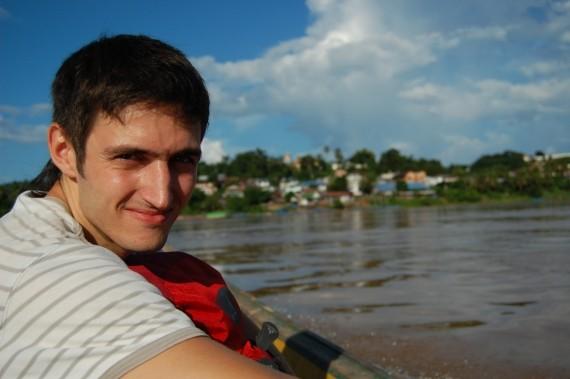 На лодочке - из Тая в Лаос ))