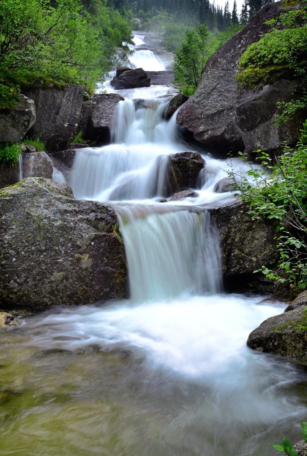 Водопад у Малахитовой ванны, Ергаки