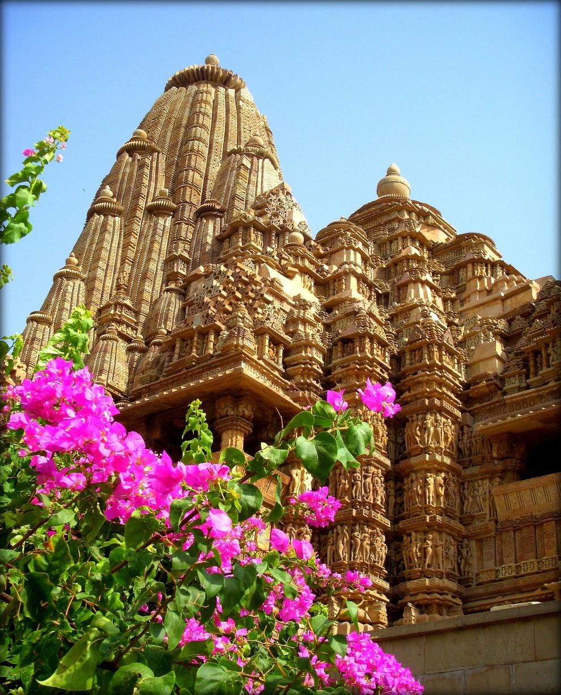 """Древний храм """"Кандарья-Махадева"""" (Кхаджурахо. Индия.)"""
