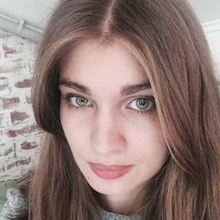 ChristinaMarinovich avatar