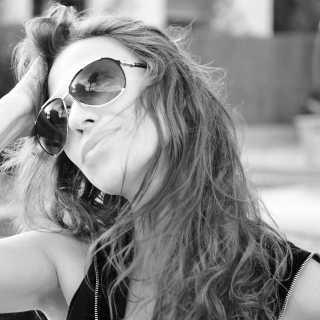 JulieAntonova avatar