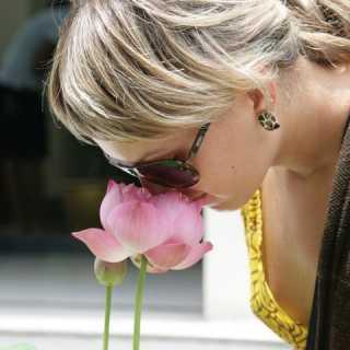 KhrystynaBuryk avatar