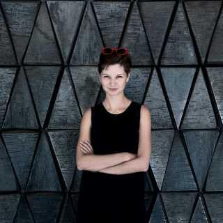 JulieIkonnikova avatar