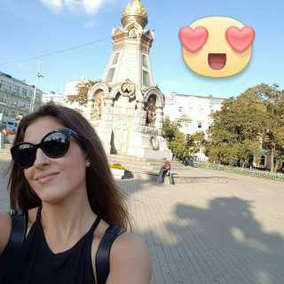 YuliaSu avatar