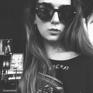 AlexandraIo avatar