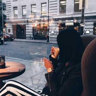 AlinaKh avatar
