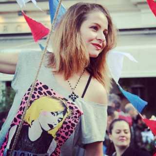 AlinaDruzhkova avatar