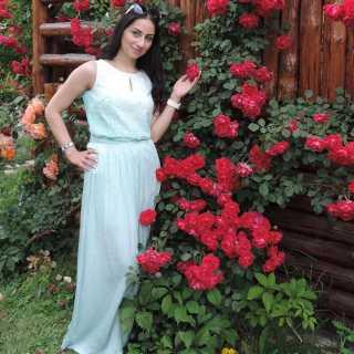 YelenaSaroyan avatar