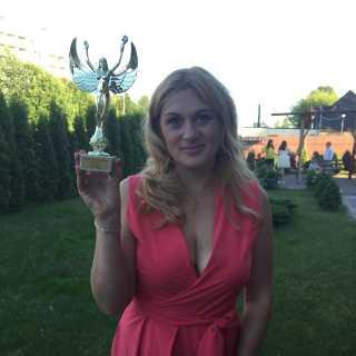 KristinaLu avatar