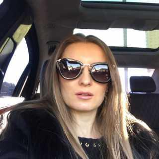 IuliiaTrotsko avatar