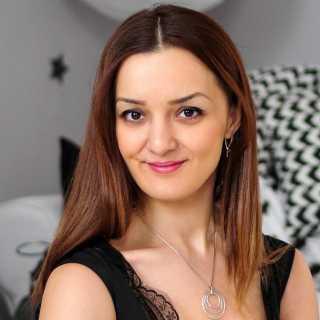 AnnaSarkisyan avatar