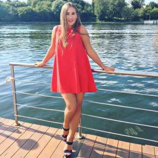 KarolinaShyriaieva avatar