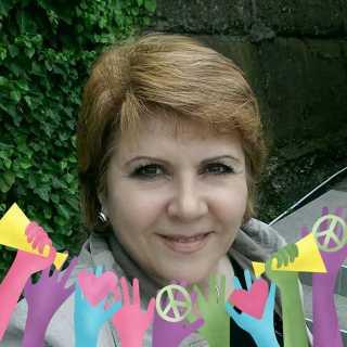 LeonoraPol avatar
