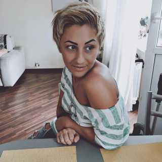 KristinaTvorogkova avatar