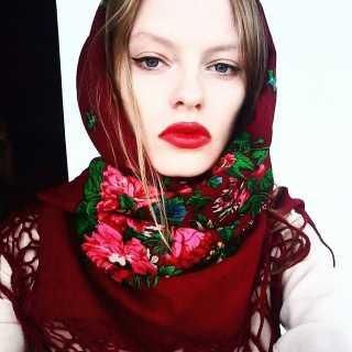 PollyJulz avatar