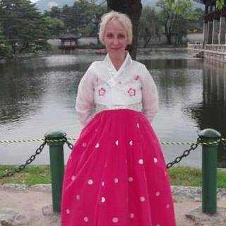 YulianaPerelman avatar