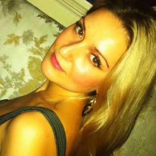 AnnaMahel avatar