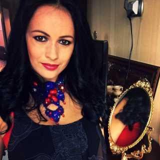 AdrianaHulyanich avatar