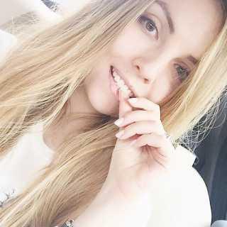 AlyonaSemma-Beschir avatar