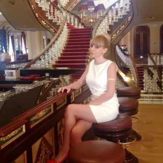 AnjEla avatar
