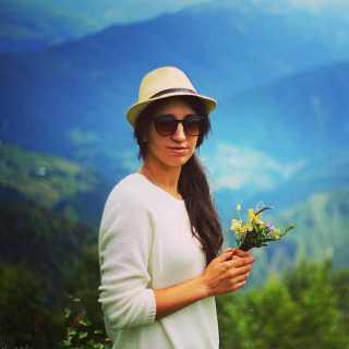 PolinaDavidenko avatar