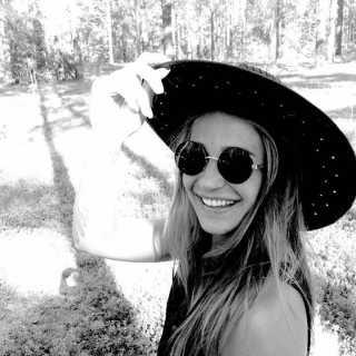 AntoniaKhaleeva avatar