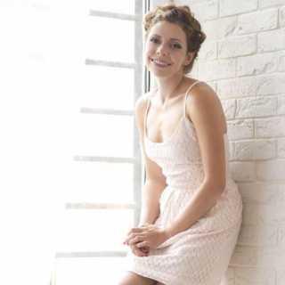 PolinaTruhanova avatar