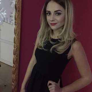 NicolePeresolyak avatar