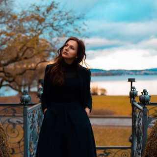 YuliaKirschner avatar