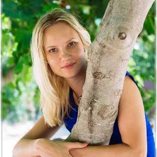 AnnaShmyhovska avatar