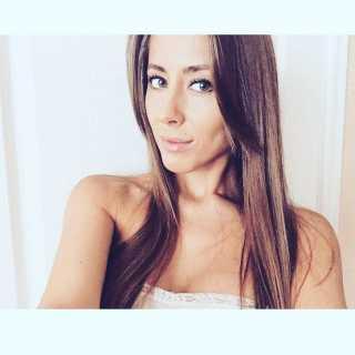 AlinaAlina_8f03a avatar