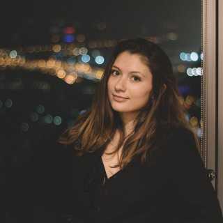 KseniaPlakhotnikova avatar