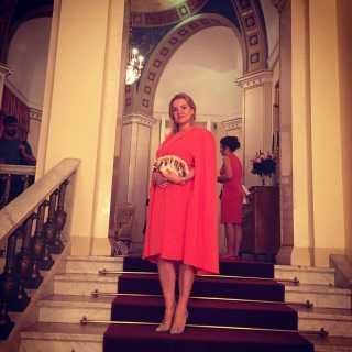 ElenaSolnechnaya avatar
