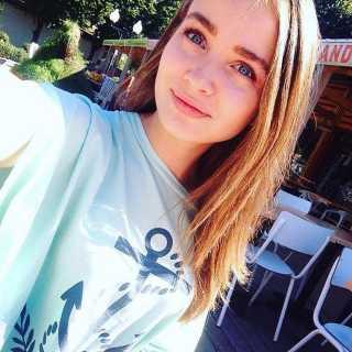 ElenaSurikova avatar