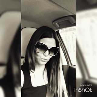 AlinaFox avatar