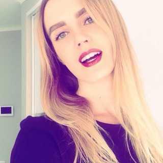 VictoriaTuccini avatar