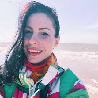 alina_holmes avatar
