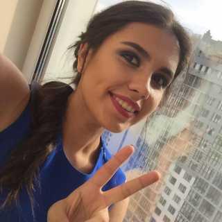 NicoleNikiforova avatar