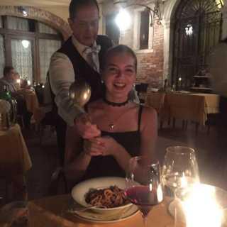 NatalieVingranovska avatar
