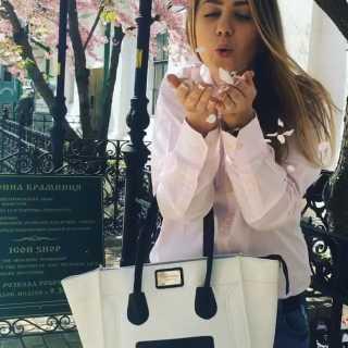 DanielaPojurovskaya avatar