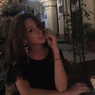 JulieRossikova avatar