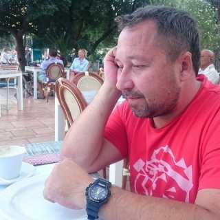 MaksimKomarov avatar