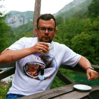 AleksandrYakovlev avatar