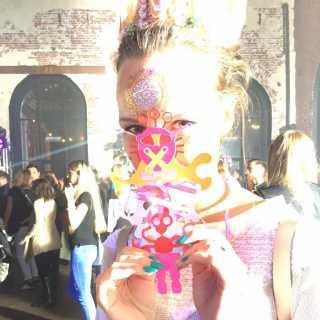 YulianaVeselovskaya avatar