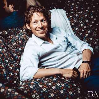 ViacheslavSavelev avatar