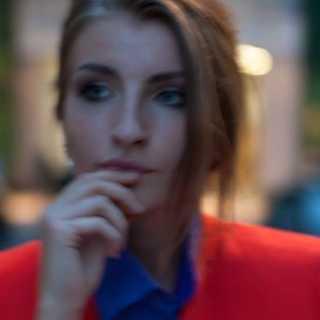 PolinaSavina_a26c8 avatar