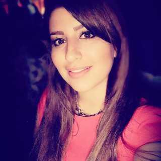 NikkiSahebjamee avatar